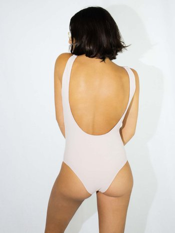 BODY COSTA U NUDE