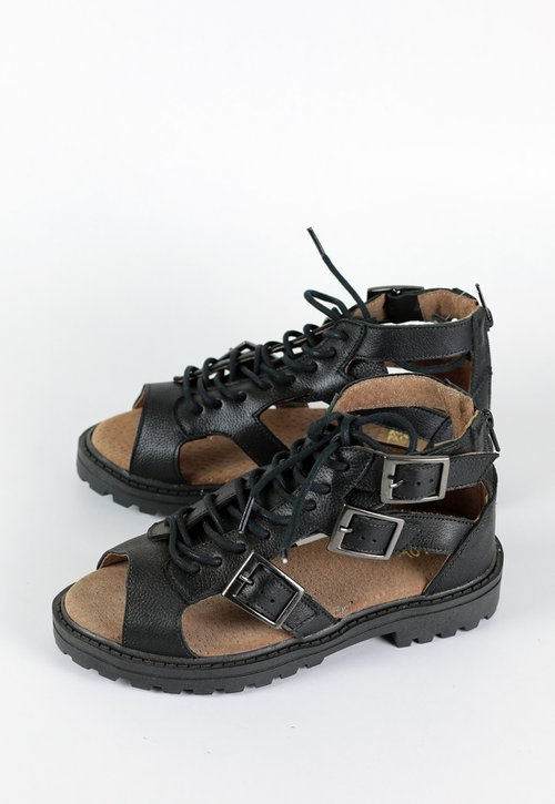 GROW sandal - black
