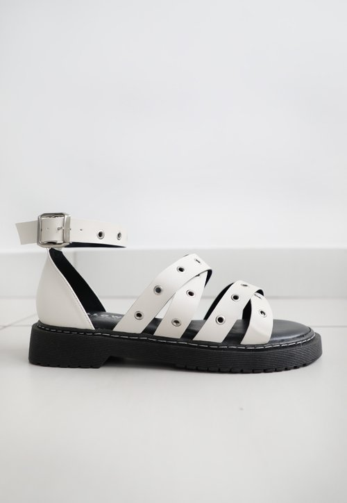 RIVET sandália - off white (vegan)