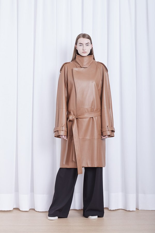 CAPA TRENCH COAT OVERSIZED
