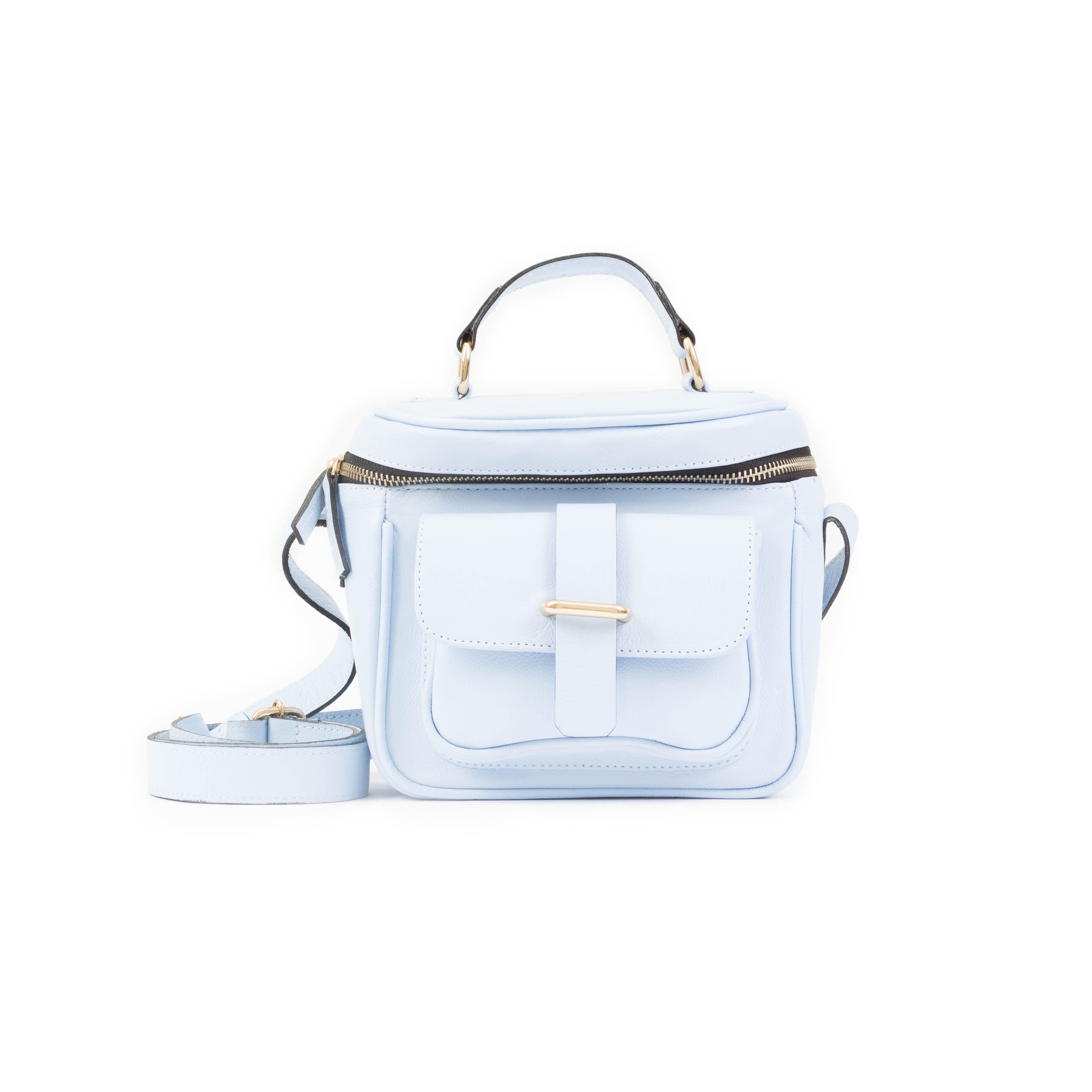 1425ccf1a4d8e Bolsa de Couro Farah P Azul Nuvem - Adô Atelier