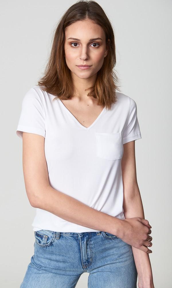 T-Shirt Gola V Com Bolso - Branca