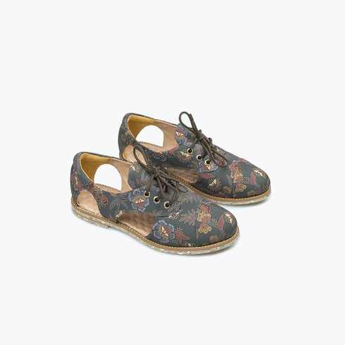 Batik Cutout Oxford