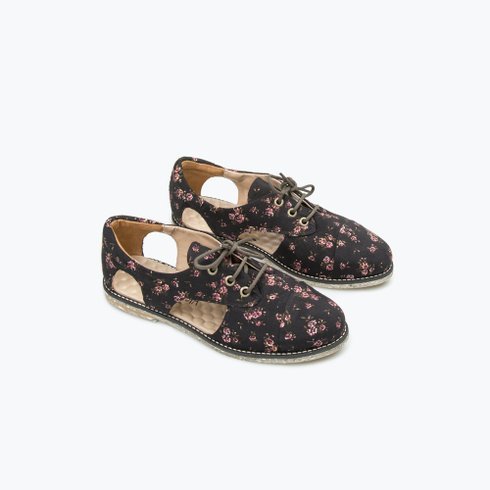 Bréscia Cutout Oxford
